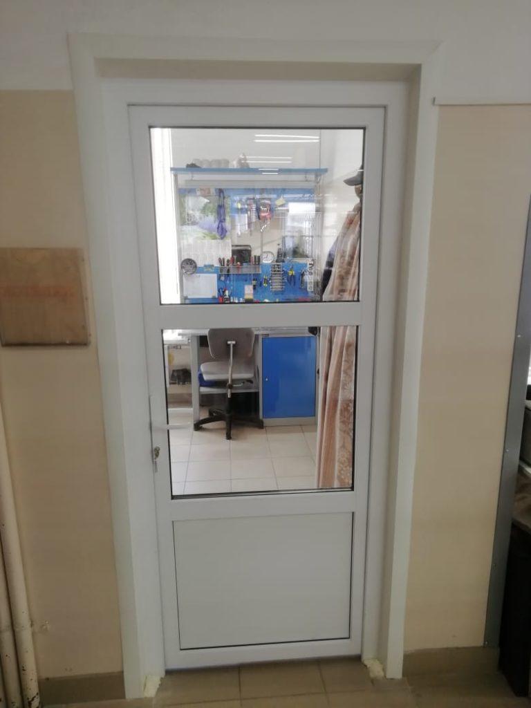 Наша работа по замене деревянной двери на ПВХ на производстве.